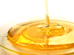 The exceptional skin benefits of honey